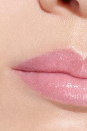 chanel rouge 136