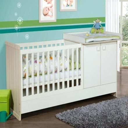 lit bébé et table a langer